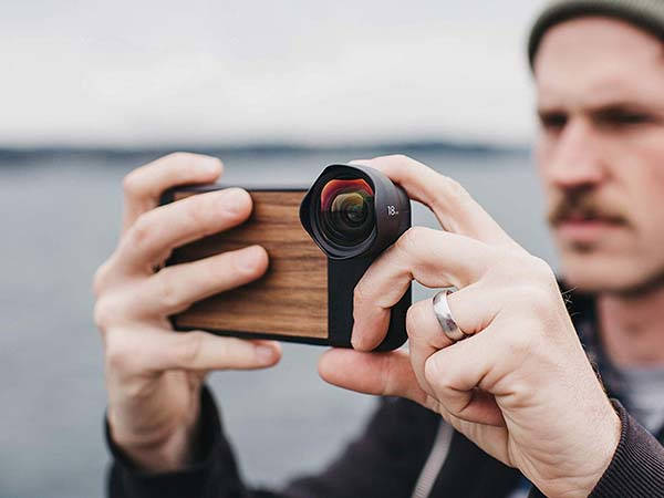 Moment Wooden iPhone XR Case Compatible with Moment's Lenses