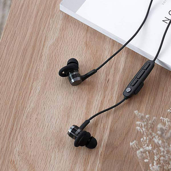 1More Vi React Bluetooth Sport Earphones