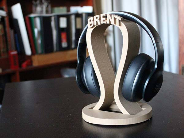 3D Printed Personalized Headphone Holder