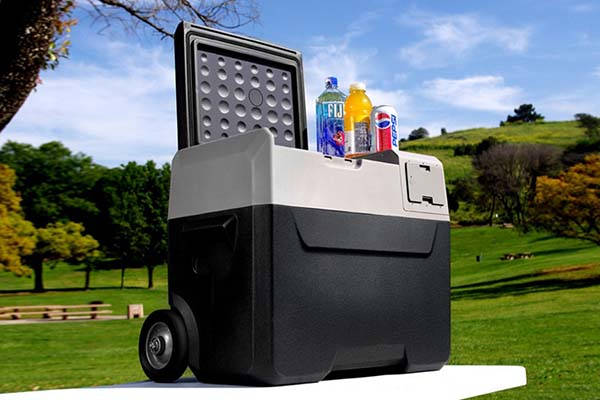 LiONCooler App-Enabled Portable Solar Cooler