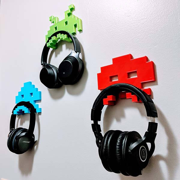 3D Printed Space Invaders Headphone Hanger
