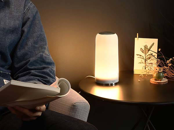 aukey_ltt7_led_desk_lamp_with_touch_control_1.jpg