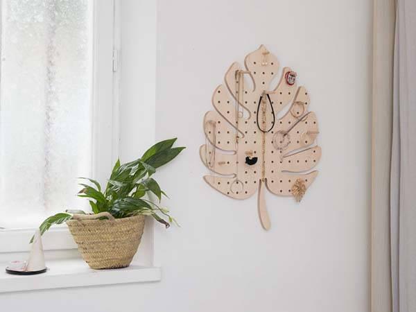 Handmade Monstera Leaf Wooden Pegboard