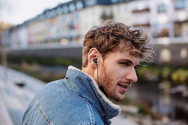 Beyerdynamic Blue BYRD Bluetooth Earphones