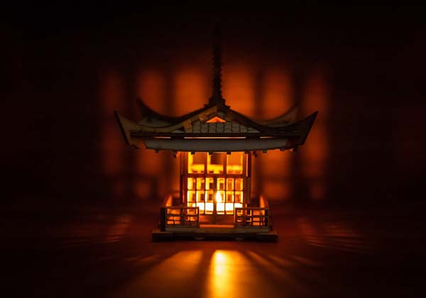 Japanese Pagoda Tealight Candle Holder