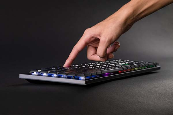 Venture Ultra-Thin Fully Sized Bluetooth Mechanical Keyboard