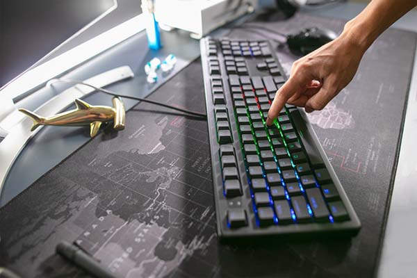 Keystone Open Source Analog Mechanical Keyboard with Adaptive Typing AI