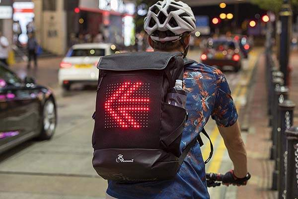 Roadwarez Road Tracker Bluetooth Cycling Backpack with Automatic Directional Signaling