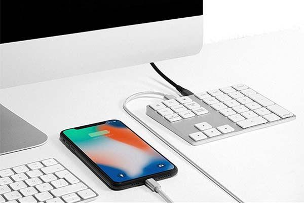 The Aluminum Bluetooth Numeric Keypad with USB Hub