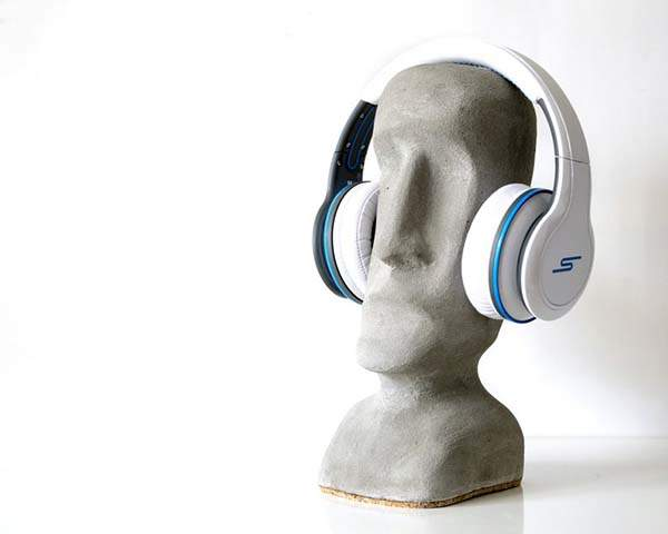 Handmade Moai Statue Shaped Concrete Headphone Stand