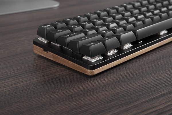 Woo-dy 67-Key Wooden Compact Mechanical Keyboard with RGB Backlight
