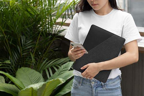 Native Union Stow Slim Tablet Sleeve with Magnetic Closure