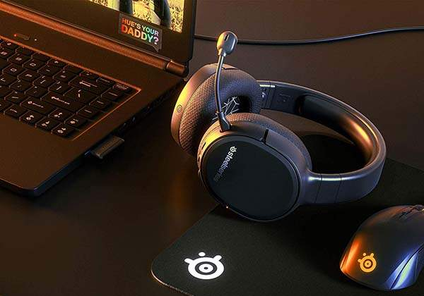 SteelSeries Arctis 1 Wireless Gaming Headset with Detachable Microphone