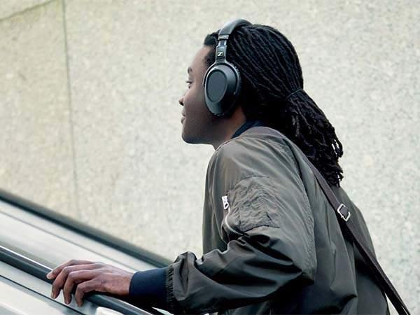 Sennheiser PXC 550-II NoiseGard Adaptive Noise Cancelling Bluetooth Headphones