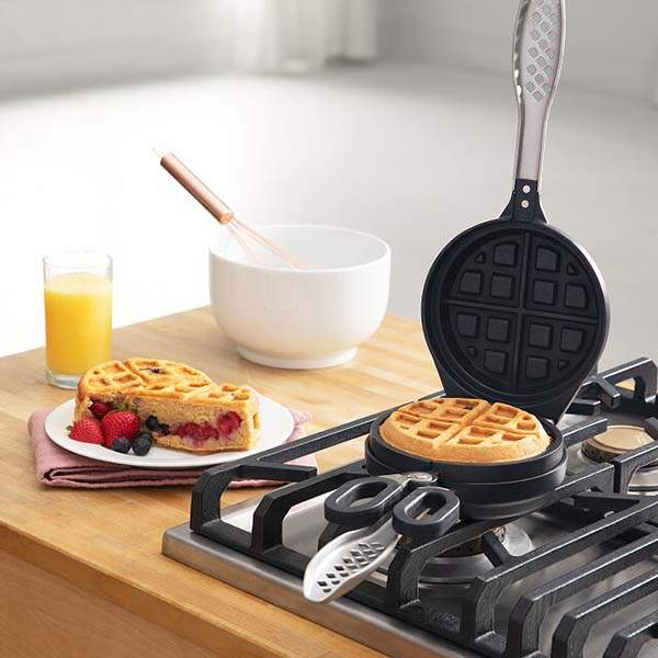The Stuffed Waffle Iron Gives Waffles More Flavor