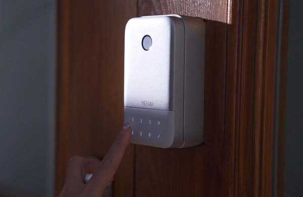 K1 Smart Lock Box Works with Any Door Lock
