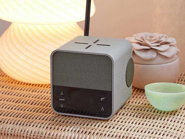 Lexon Oslo News Lite Bluetooth FM Radio with Wireless Charger and Alarm Clock
