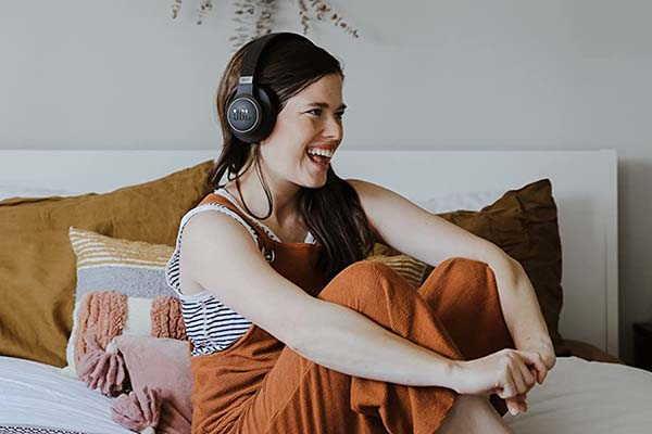 JBL Live 650BTNC Active Noise Cancelling Wireless Headphones