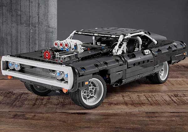 LEGO Technic Dodge Charger Building Set