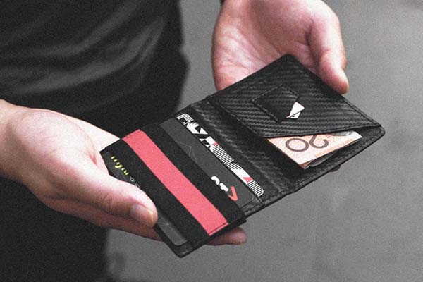 Zero 3 Carbon Fiber Bifold Card Wallet with RFID Shield
