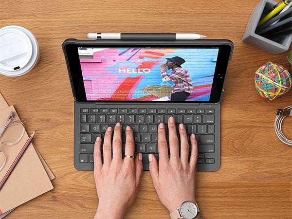 Logitech Slim Folio 10.2-Inch iPad Keyboard Case