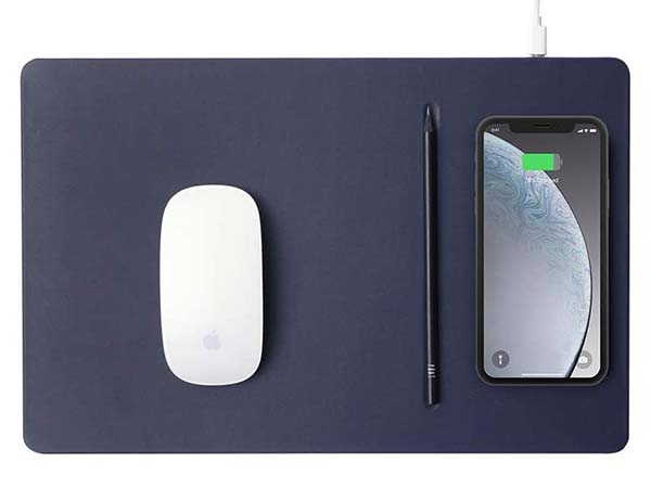 Pout Hands3 Pro Mouse Pad with Wireless Charger