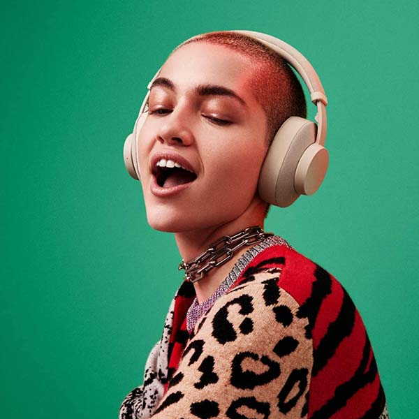 UrbanEars Pampas Bluetooth Headphones with Instant Music Sharing