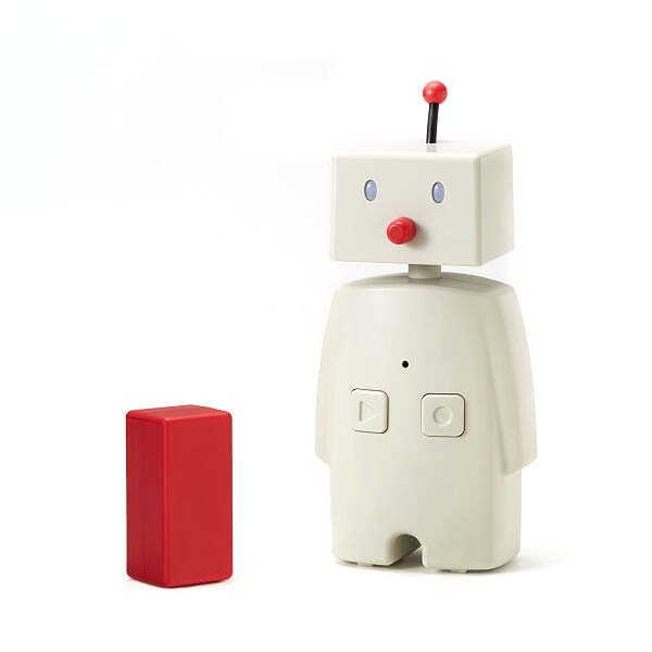 Bocco Family Robot Helps You Record and Send Messages to Your Loved Ones