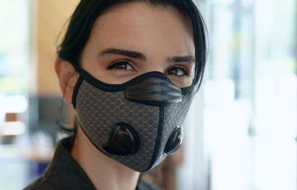 Breeze Cooling Face Mask with 24K Gold/ Silver-Plated Bactericide Filters