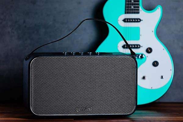 Gemini GTR-400 Retro Bluetooth Speaker with Mic and Guitar Inputs