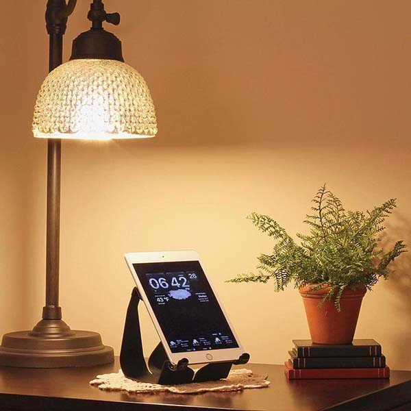 Handmade Simplex Metallic Tablet Stand