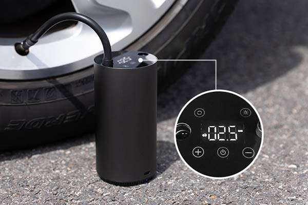 Mojietu Lightning-A Smart and Portable Tire Inflator with LCD Display