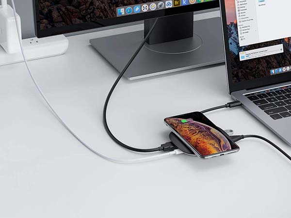 Aukey CB-C70 Wireless Charging USB-C Adapter with Wireless Charger