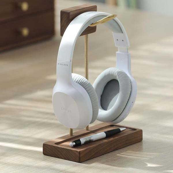 Handmade Wooden Headphone Stand with USB Hub