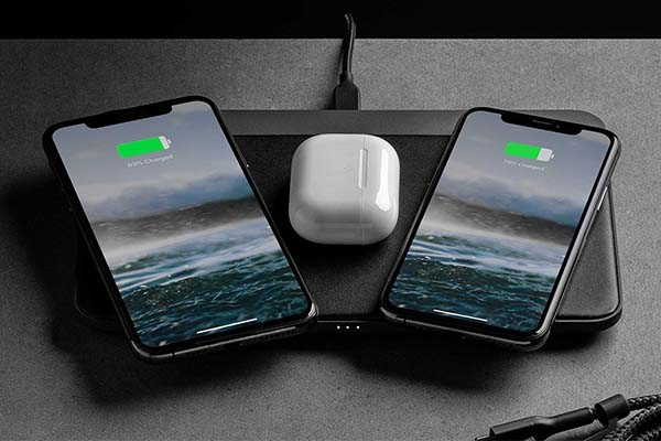 Nomad Base Station Pro Wireless Charging Dock