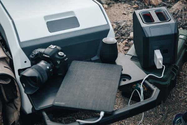 Furrion eRove Off-Grid Electric Cooler Keeps Everything Cold for 5 Days