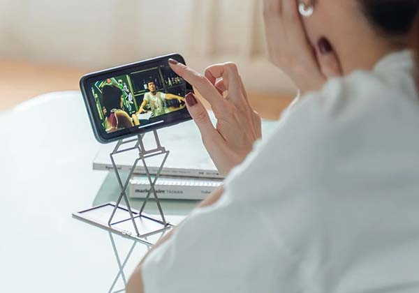 Majextand M Foldable Phone Stand with Adjustable Angle and Height