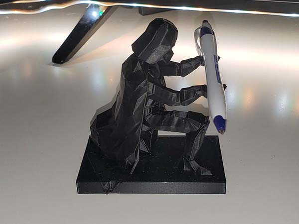 3D Printed Darth Vader Pen Holder in Low Poly Style