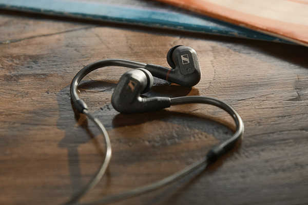 Sennheiser IE 300 HiFi Earbuds with Detachable Cable