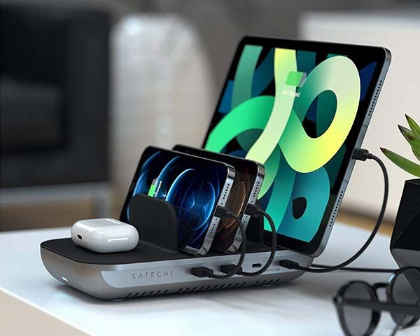 Satechi Dock5 Charging Station with Wireless Charger