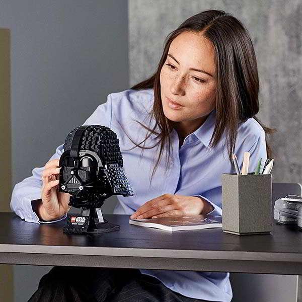 LEGO Star Wars Darth Vader Helmet Building Set