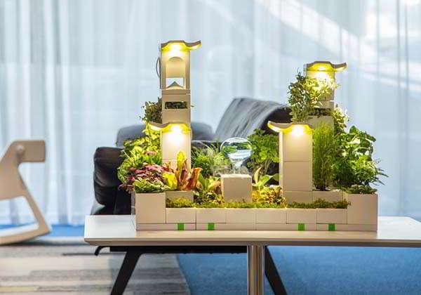 LeGrow Modular Indoor Planter for Your Own Desktop Garden