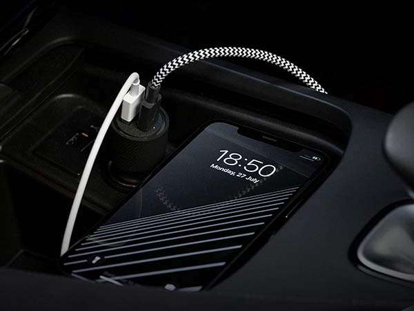 Native Union USB/ USB-C Car Charger wit 30W Output