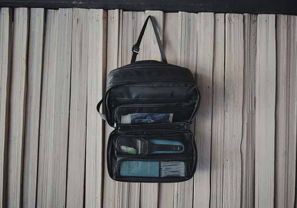 Explorer MAX Toiletry Bag with Silicone Stowaway Strap