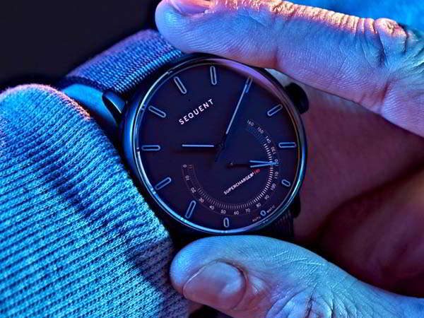 Titanium Elektron Self-Charging Smartwatch with Fitness Tracker