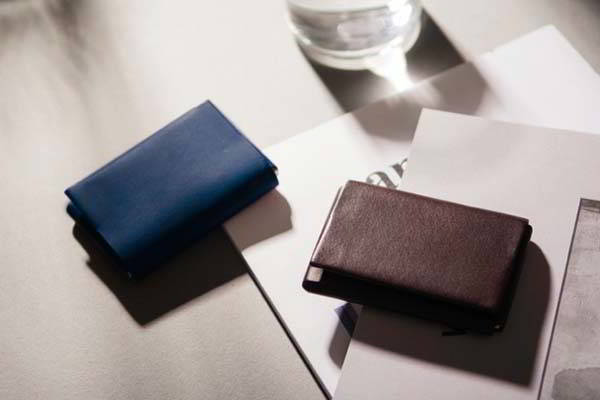 0.7 Slim Leather Wallet with Dual-Sided RFID Technology