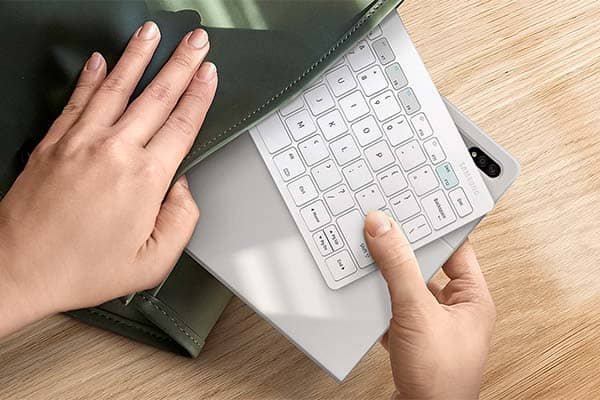 Samsung Smart Keyboard Trio 500 with 3 Hot Keys