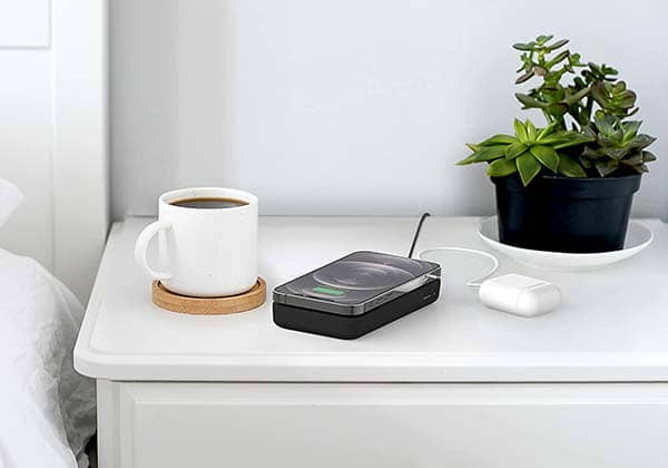Belkin Boost↑Charge Magnetic Wireless Power Bank Compatible with MagSafe