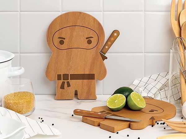 OTOTO Ninja Wood Cutting Board with Knife Set